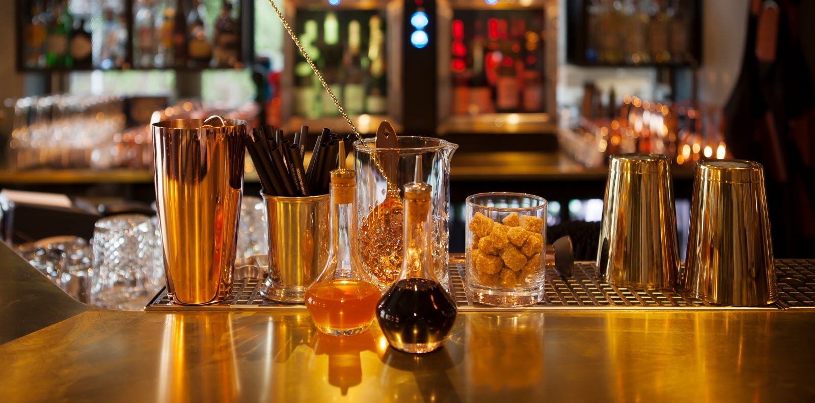 Snacks og drinkeglass i baren, Scandic St. Olavs plass