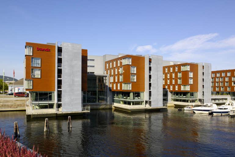 Hotellfasaden sett fra Nidelven, Scandic Nidelven
