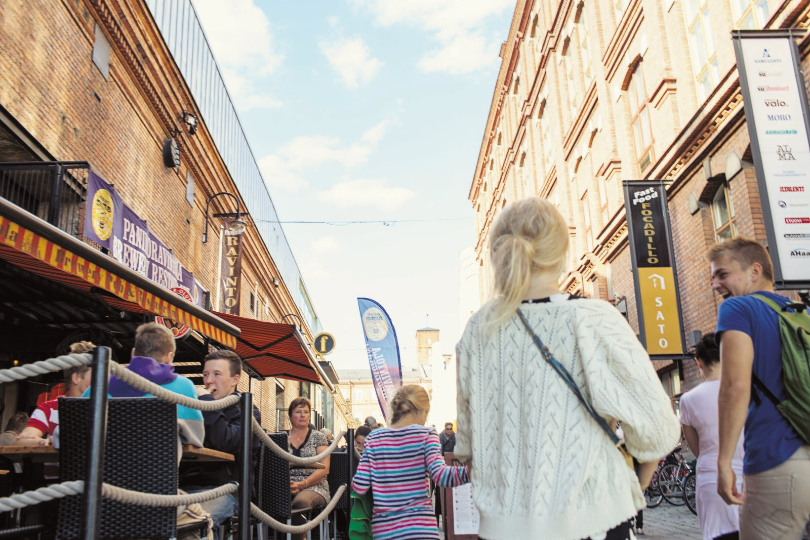 tampere-finlaysoin-busy-summer-day.jpg